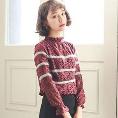 Everies - Long-Sleeve Lace T-Shirt