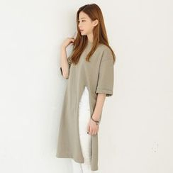 Envy Look - Short-Sleeve Slit-Front Long T-Shirt
