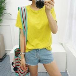 STYLEBYYAM - Colored Round-Neck T-Shirt