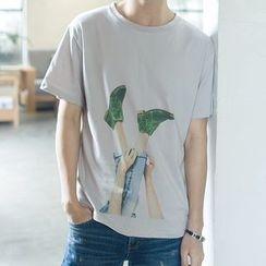 V37 - Elbow-Sleeve Print T-Shirt