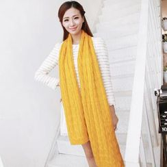 RGLT Scarves - Cable-Knit Scarf