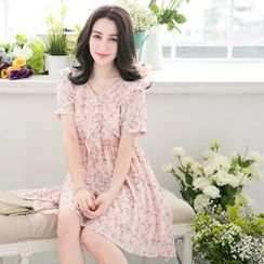 Tokyo Fashion - Short-Sleeve V-Neck Printed Dress