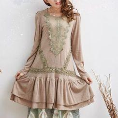 Nectarine - Long-Sleeve Lace-Trim Dress