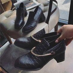 時尚麥樂 - 鱷魚紋粗跟樂福鞋