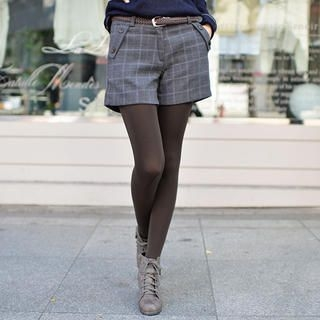 CLICK - Button-Accent Check Shorts