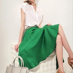 Queen Bee - Set: Cap-Sleeve Blouse + A-Line Midi Skirt