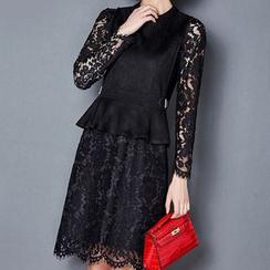 NINETTE - Set: Tank Top + Long-Sleeve Lace Dress
