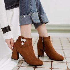 Gizmal Boots - 仿珍珠粗跟踝靴