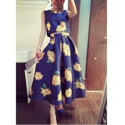 Mi Camilla - Set: Sleeveless Printed Cropped Top + Printed A-Line Skirt