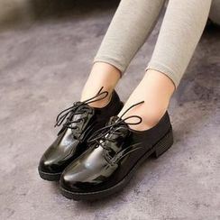Shamrock Shoes - Patent Lace Up Flats