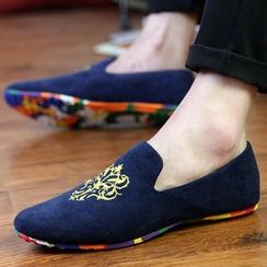 Auxen - Embroidered Loafers