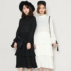Heynew - Tiered Midi Chiffon Dress