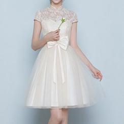 名贵风格 - 蕾丝边高领礼服裙