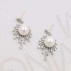 Love Generation - Firework Faux-Pearl Earrings