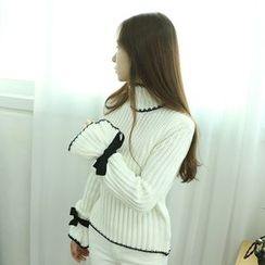 Dodostyle - Ribbon-Trim Sleeve Turtle-Neck Sweater