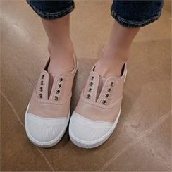 Styleberry - Toe-Cap Strapless Sneakers