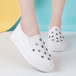 人本 - 星星铆钉厚底轻便鞋