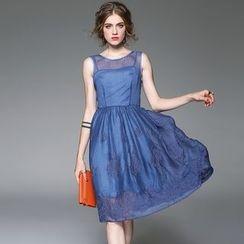 Queen Mulock - Sleeveless Embroidered Dress
