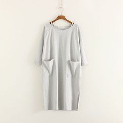 Mushi - Dual Pocket T-Shirt Dress