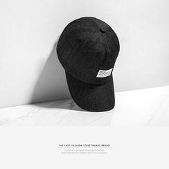 Newin - 貼布情侶鴨舌帽