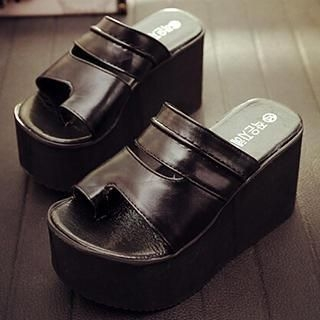 SouthBay Shoes - Toe-Loop Platform Wedge Sandals