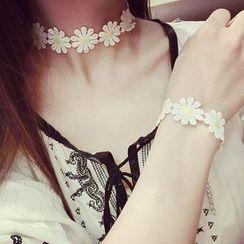 Ticoo - Lace Daisy Bracelet / Choker Necklace