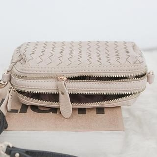 WHITE FOX - Woven Crossbody Bag