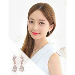 soo n soo - Crystal Drop Earrings