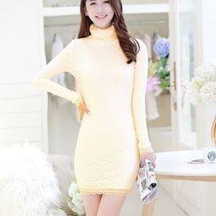 TRIST - Long-Sleeve Lace Sheath Dress