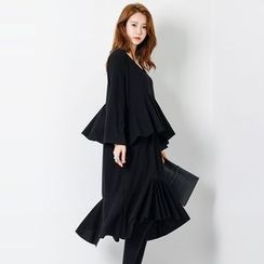 FASHION DIVA - Round-Neck Ruffle-Tiered Midi Dress
