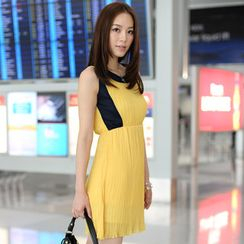 59th Street - Pleated Empire Chiffon Dress