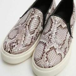 SouthBay Shoes - Snake Print Slip-Ons