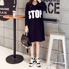 Carabecca - Lettering Long Sleeve T-Shirt Dress