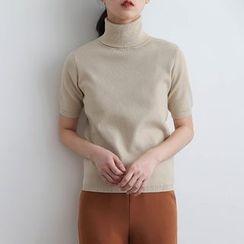 ELLY - Turtleneck Short-Sleeve Knit Top
