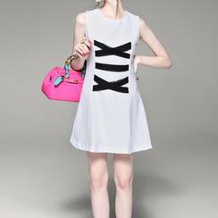 Alaroo - Contrast Trim A-Line Sleeveless Dress