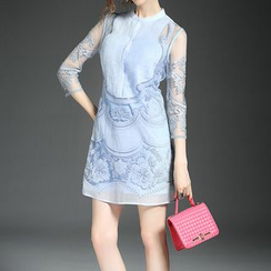 Alaroo - 3/4-Sleeve Lace Panel Sheath Dress