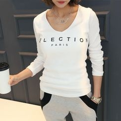 DANI LOVE - V-Neck Lettering T-Shirt