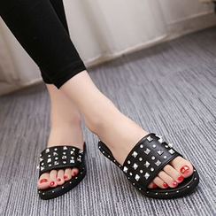IYATO - Studded Slide Sandals