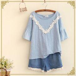 Fairyland - Flower Lace Trim T-Shirt