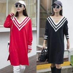 Dream Girl - Long-Sleeve V-Neck Knit Dress