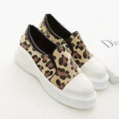 安若 - 豹纹印花厚底轻便鞋
