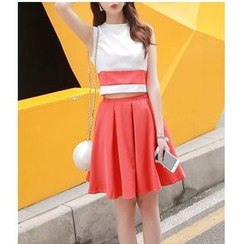 HazyDazy - Set: Sleeveless Top + Pleated Skirt