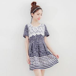 Tokyo Fashion - Short-Sleeve Lace-Panel Dotted Dress