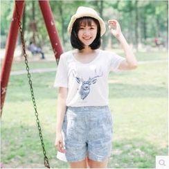 Forest Girl - Short-Sleeve Deer Print T-Shirt