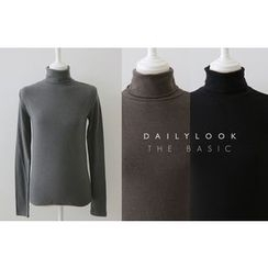 DAILY LOOK - Turtle-Neck Knit Top
