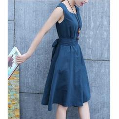 Dowisi - Sleeveless A-Line Dress
