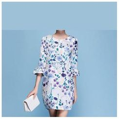 Strawberry Flower - Flower Print Elbow-Sleeve Dress