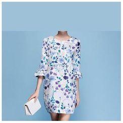 草莓花朵 - 花形印花中袖连衣裙
