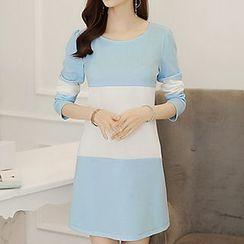 Q.C.T - Panel Long-Sleeve Knit Dress