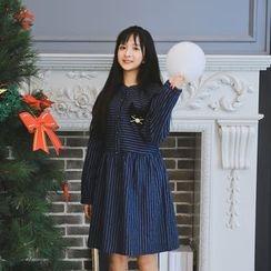 Moricode - Cat Stripe Long-Sleeve Dress